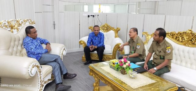 Bagai Gayung Bersambut, Rektor UHO Restui Kerjasama Pembangunan Kebun Bibit Semai FHIL dengan BPDAS SULTRA